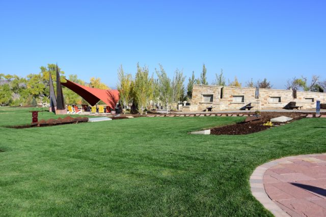 Seven Stones' Mystic Lawn Connects with Cascade Estates